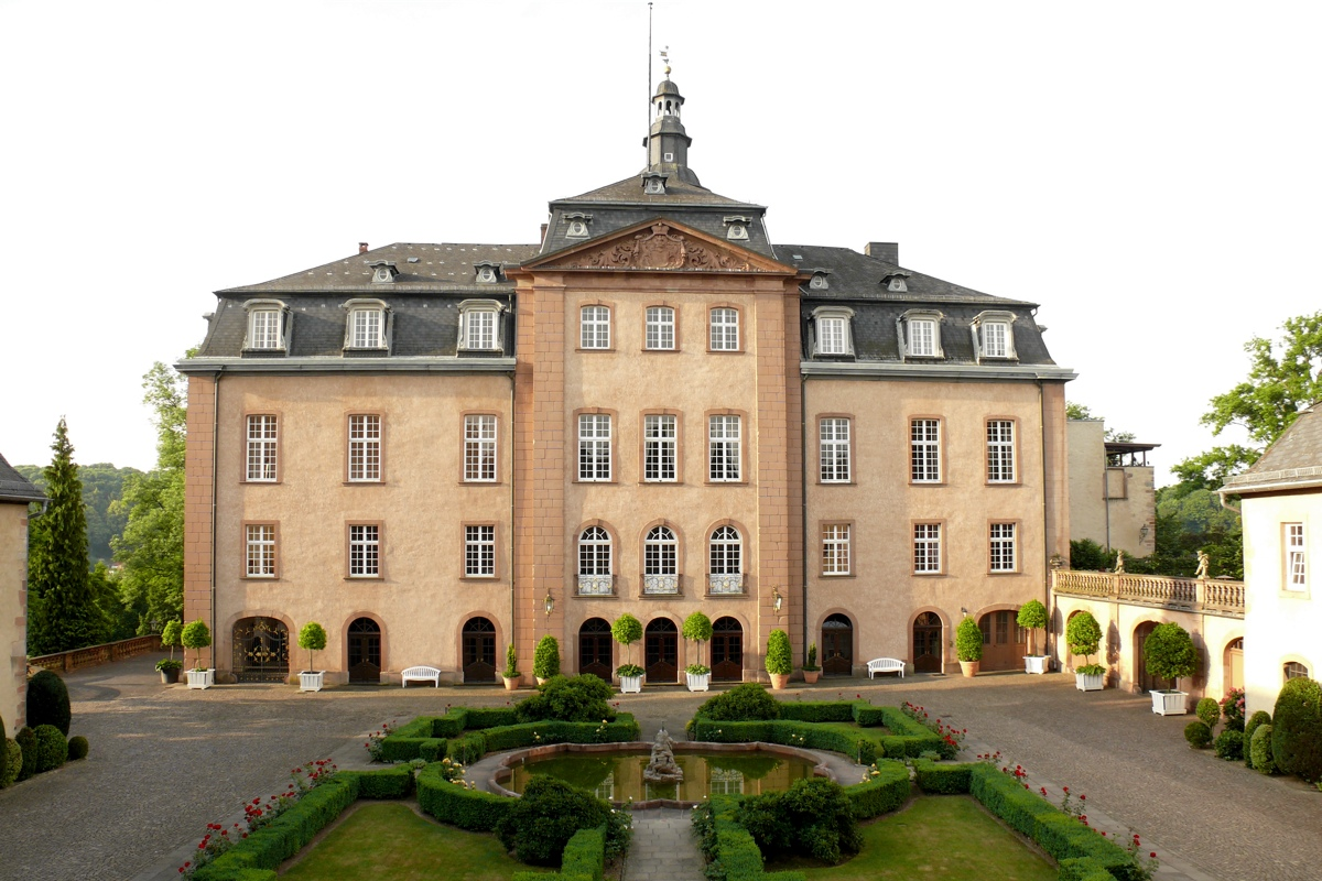 P1010197_Schloss_1200_800
