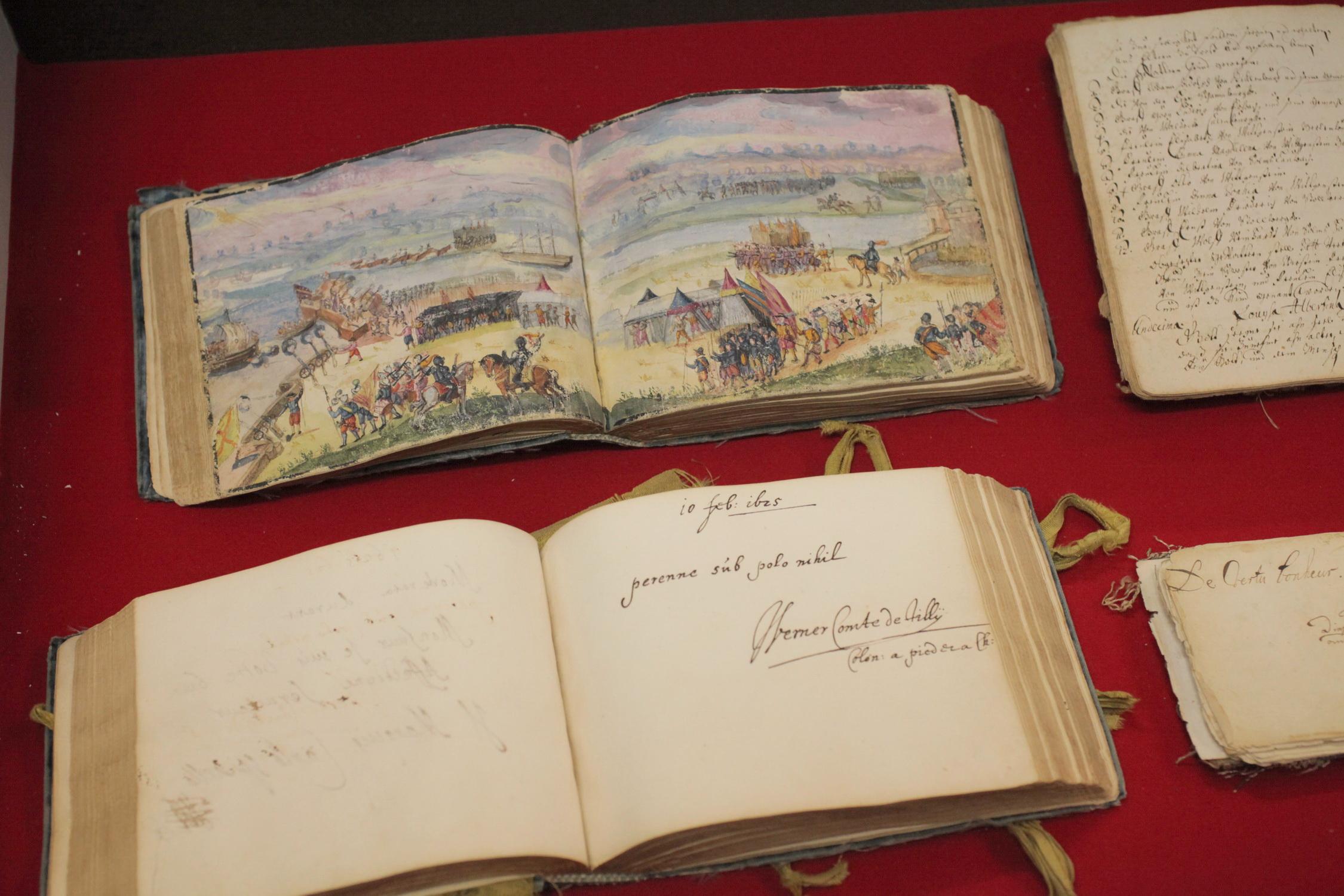 Foto von historischen Dokumenten der Familie Isenburg